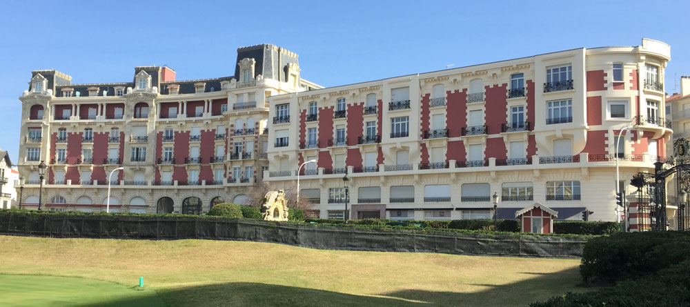 Biarritz lovely overlooking the sea and facing the Hotel Palace Rental